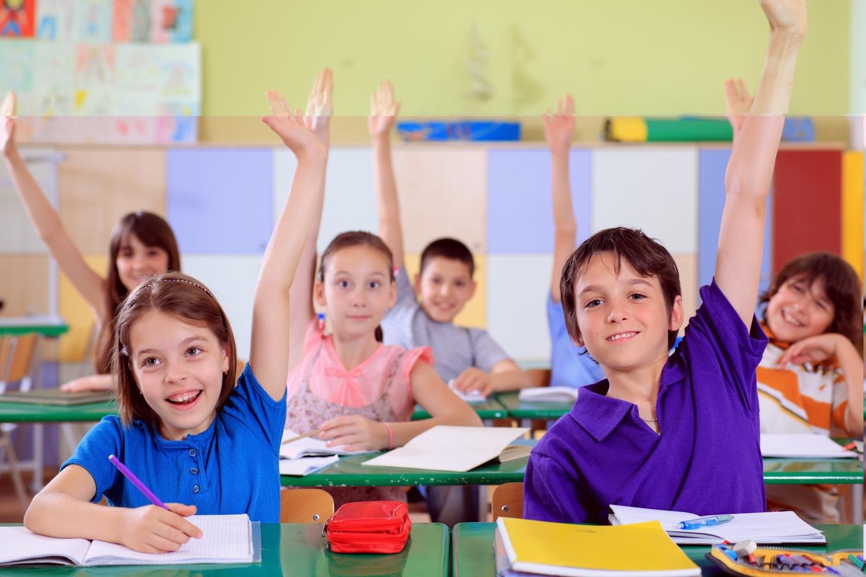 На курсах английского детям будет интересно среди своих сверстников