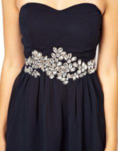 Декоративная отделка платья