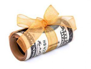 Деньги не лучший подарок учительнице