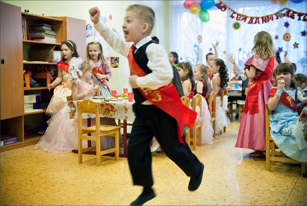 Дети принимают активное участие на прощальном концерте