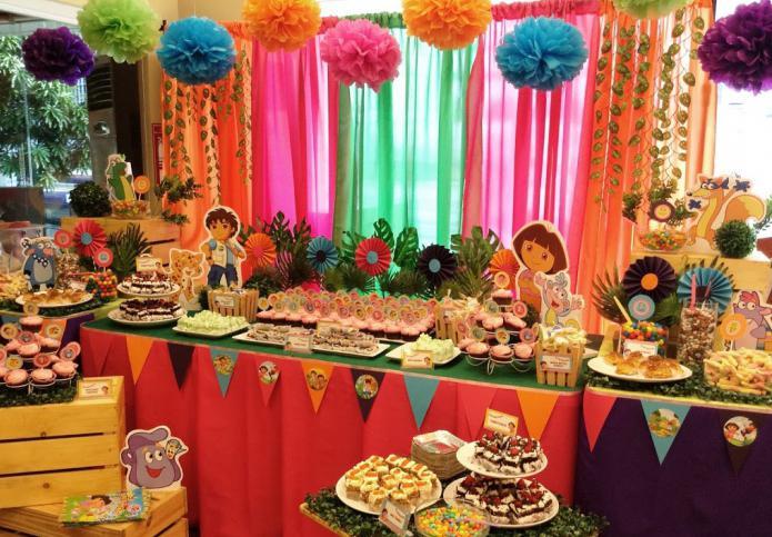 Праздничный стол для маленьких выпускников