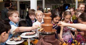Шоколадный фонтан для детей