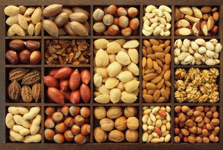 Давать детям орехи в сыром виде рекомендуют с трех лет