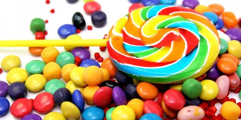 До года в меню ребенка нельзя вводить сладости