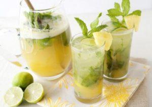 Есть множество рецептов приготовления детских коктейлей на основе ананасового сока