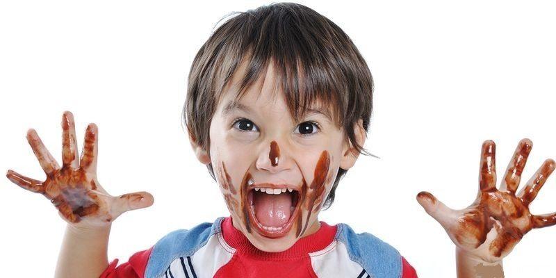 Раньше трех лет давать шоколад ребенку не рекомендуется