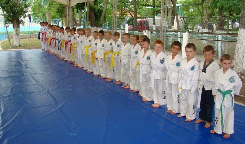 В спортивные лагеря в основном ездять дети, которые серьезно занимаются спортом