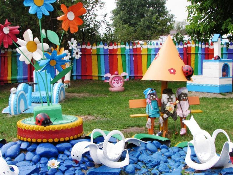 Игровая площадка со сказочными героями