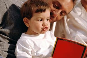 Логопедические занятия с ребенком также важно проводить и дома