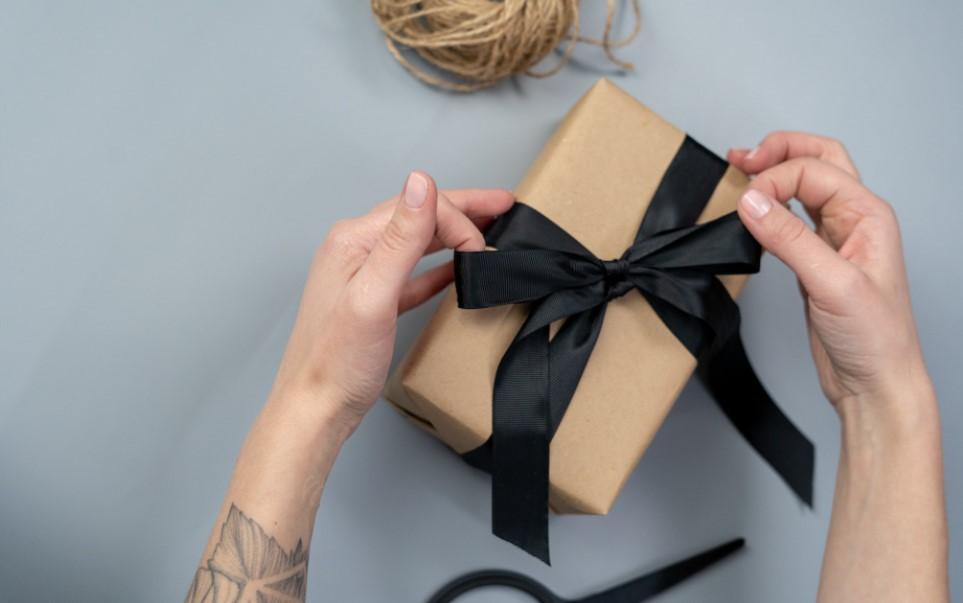Отличные подарки выбрать