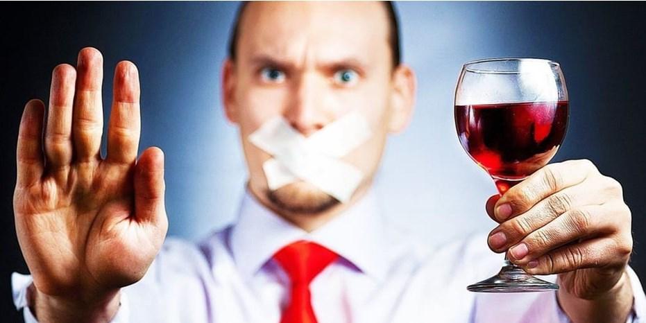 Как вести себя членам семьи, в которой есть алкоголик